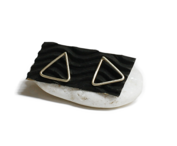 Silver Triangles 1 600x495 - valora image