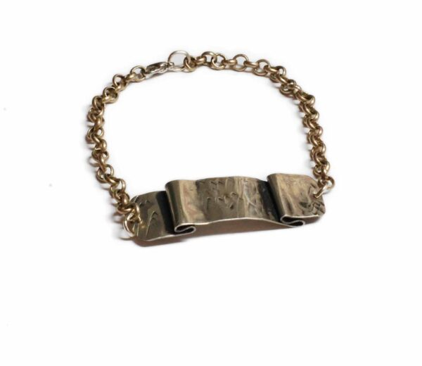 Bracelet with foldings 600x520 - valora image