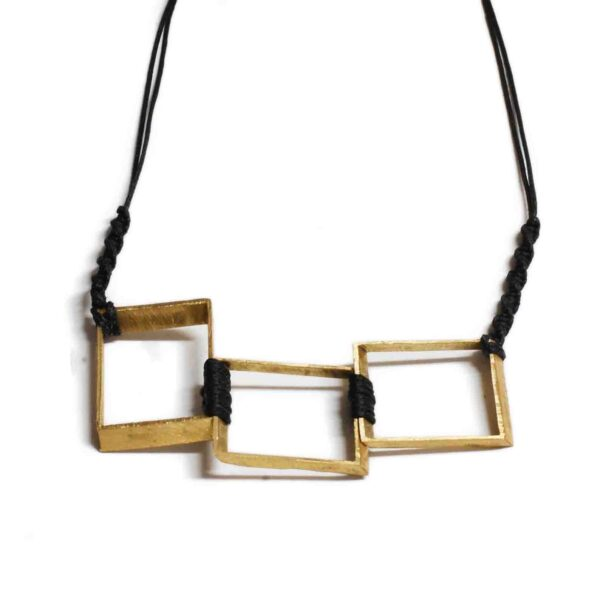 Geometrical Necklace Black 600x592 - valora image