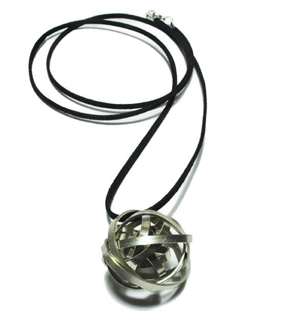 Shiny Planet Necklace 600x608 - valora image