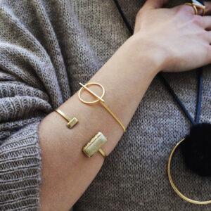 bracelets 2 300x300 - valora image