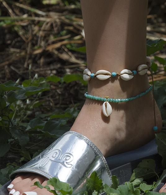 banner main feet - valora image